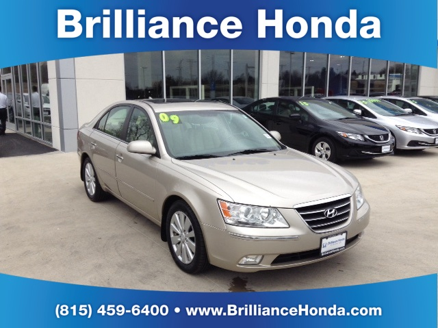 pre owned 2009 hyundai sonata limited 4d sedan in crystal. Black Bedroom Furniture Sets. Home Design Ideas